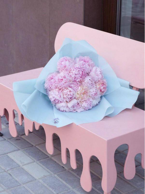 Большой монобукет «Охапка пионов» от Kiwi Flower Shop