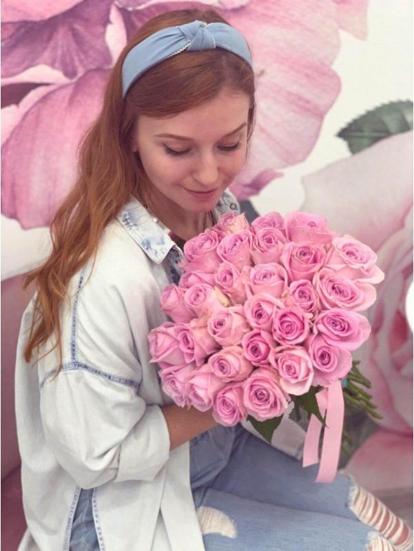 Нежный монобукет из роз 'Pink mood' от Kiwi Flower Shop