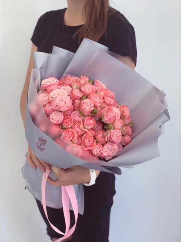 Большой букет гигант 'Охапка розовых роз' от Kiwi Flower Shop
