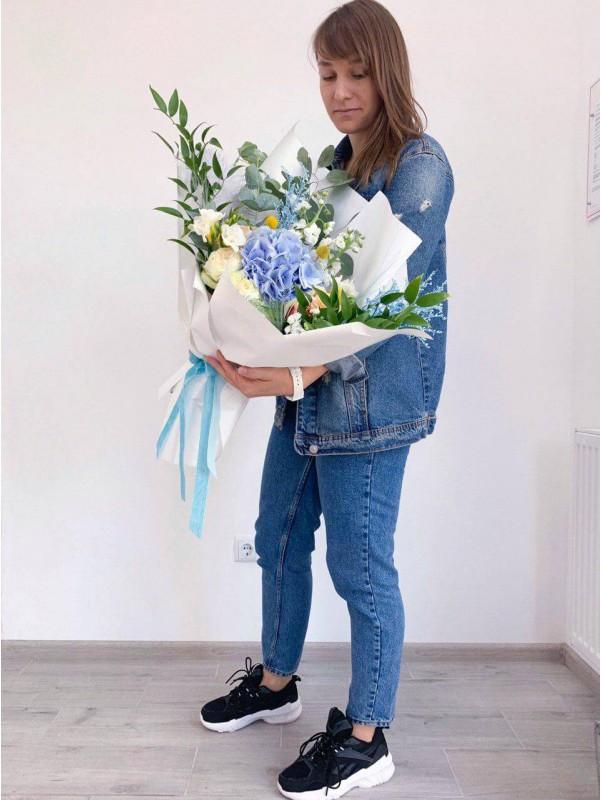 Большой авторский букет 'Цветочный всплеск' для творческих и тонких натур от Kiwi Flower Shop