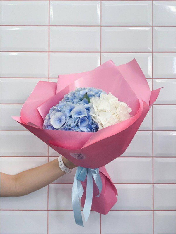 Букет из гортензий | Bestsellers | Flowers and bouquets for Women's Day | Birthday | Hydrangea bouquets by Kiwi Flower Shop