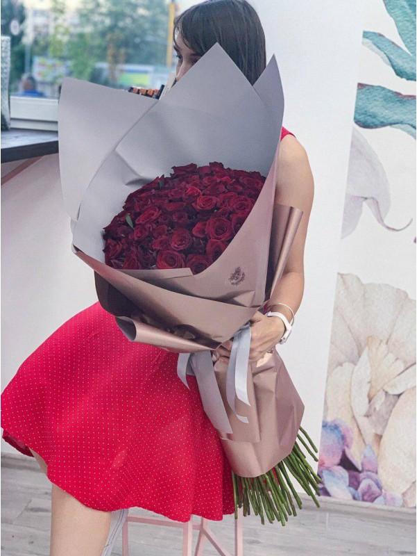 Монобукет из красных роз «Red love» от Kiwi Flower Shop