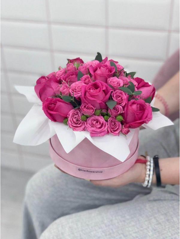 Нежный бархат | Flowers in a Velvet Box by Kiwi Flower Shop