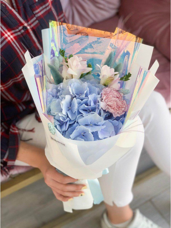Голубое облачко | Mixed bouquets | Flowers and bouquets for Women's Day by Kiwi Flower Shop