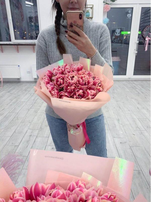 Моно букет из 21 тюльпана 'Tulips paradise' от Kiwi Flower Shop