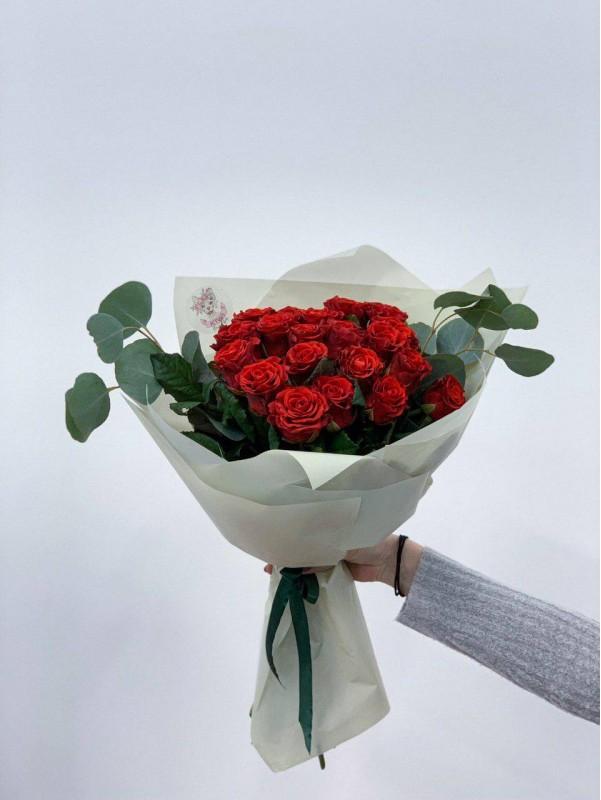 Букет з червоних мереживних троянд 'Red lace' від Kiwi Flower Shop