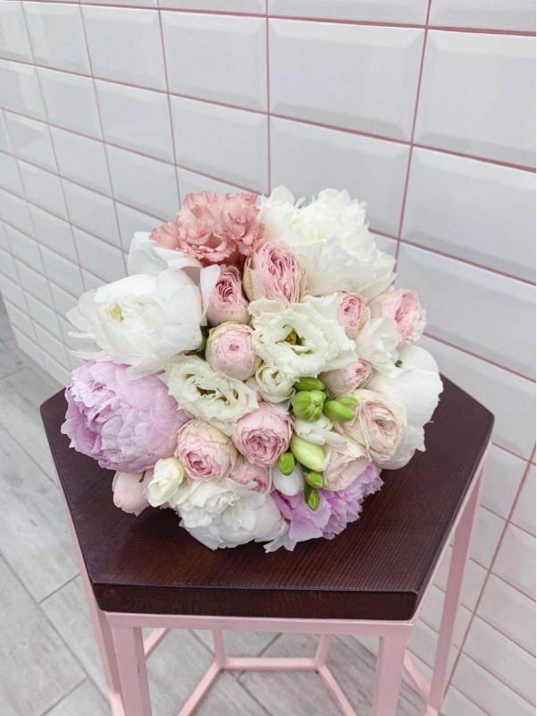 Букет невесты 'Peony kiss' от Kiwi Flower Shop
