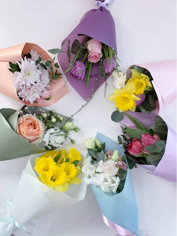 Compliment from the florist | Exclusive bouquets by Kiwi Flower Shop