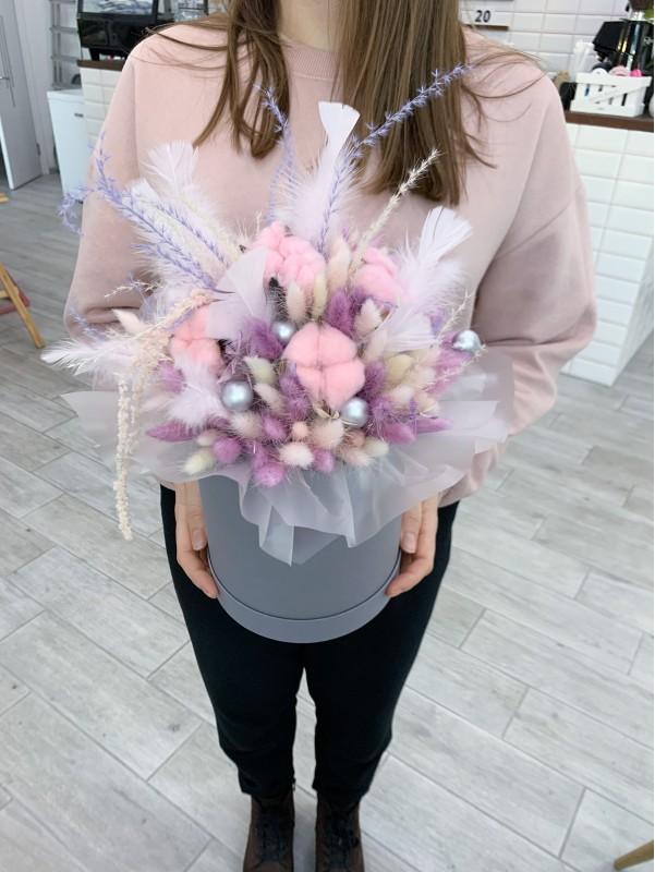 Композиция из сухоцветов в коробке 'Pink and lilac'. от Kiwi Flower Shop