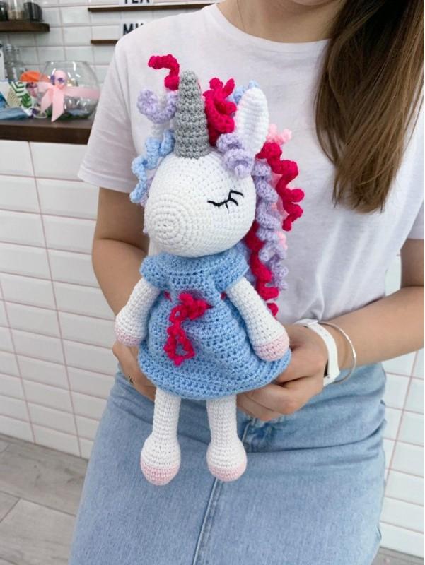 Middle unicorn | Toys by Kiwi Flower Shop