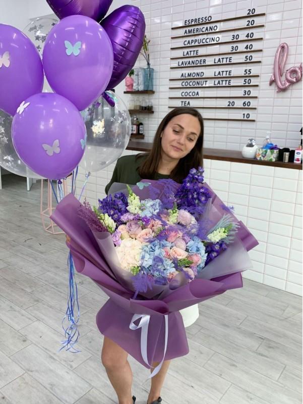 Комбинированный букет 'Violet dreams'. от Kiwi Flower Shop