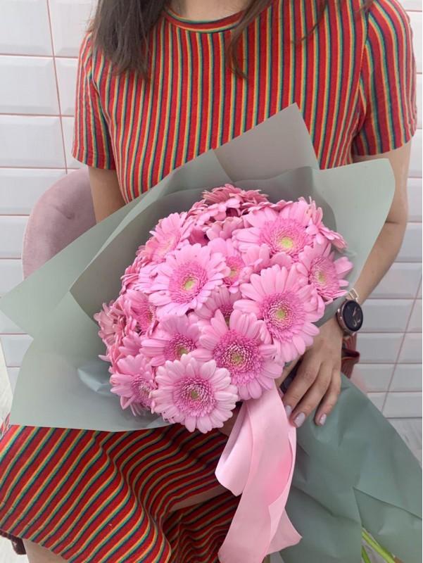 Моно букет з рожевих гербер. від Kiwi Flower Shop