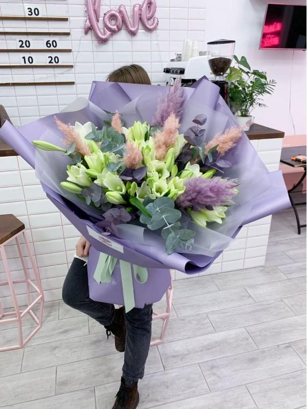 Букет-гігант з білих лілей. від Kiwi Flower Shop
