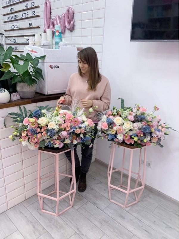 Interior flower composition | Flowers by Kiwi Flower Shop