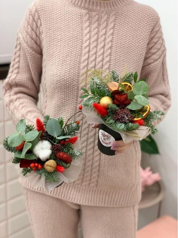 Цветочная композиция 'Новогодний латте'. от Kiwi Flower Shop