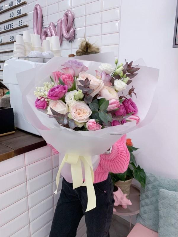 Комбинированный букет 'Весенняя нежность'. от Kiwi Flower Shop