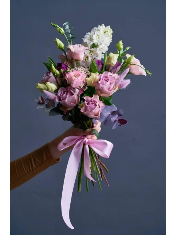 Комбинированный букет 'Лиловый всплеск'. от Kiwi Flower Shop