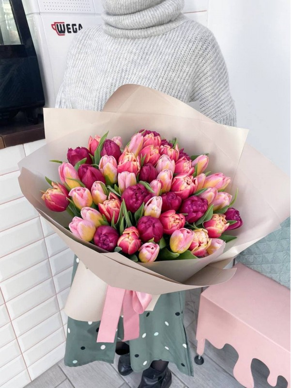 51 tulips | Bouquets of tulips by Kiwi Flower Shop