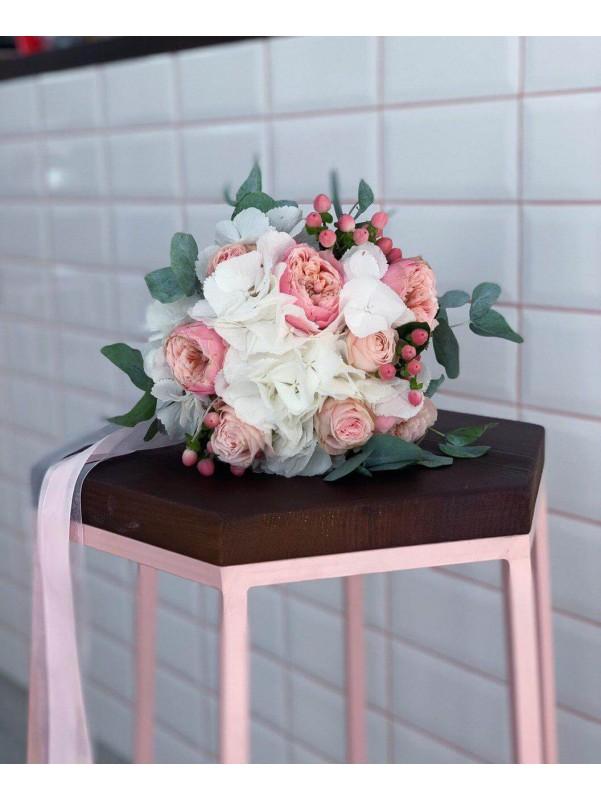 Весільний букет нареченої 'Bridal Secret' від Kiwi Flower Shop