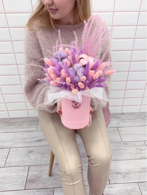 Композиція із сухоцвітів в коробці 'Pink cloud' від Kiwi Flower Shop
